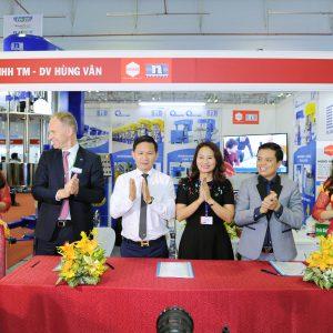 Sao Việt Nam ký kết hợp đồng máy nghiền rổ đĩa đôi Niemann với Hùng Vân